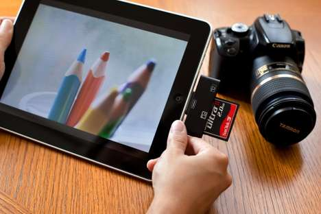 Instant Photo USBs - The iPad CF and SD Card Lets Users View Pictures Fast