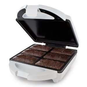 The Brownie Bar Maker Will Fix Any Late Night Sugar Cravings