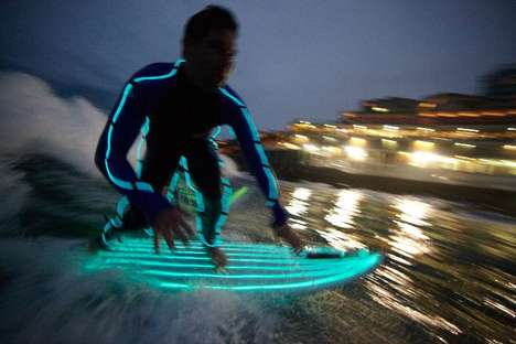 Neon Night-Surf Stunts