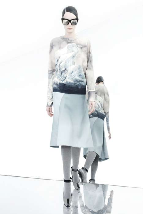 Extremely Mirrored Lookbooks