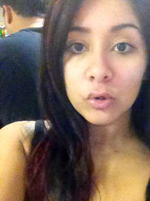 Clean-Scrubbed Guidette Tweets - The Snooki Without Makeup Twitpics Show a Fresh-Faced Fist-Pumper