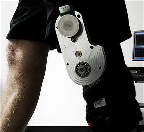 Charge Batteries While You Walk - Knee Brace Dynamo