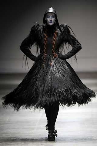 Gothic Beauty - The Dark Side of London Fashion Week