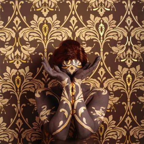 Hidden Model Photos - Camouflage Body by Cecil Parades Creates Illusion Life in Walls