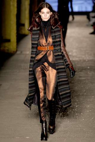 Bold-Belted Urban Looks