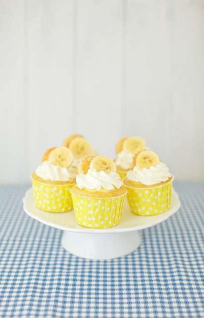 Banana-Topped Cakes