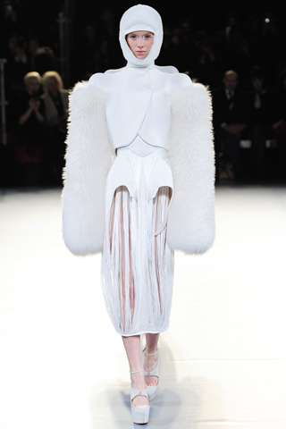 Elegant Eskimo Catwalks - The Mugler Fall Collection is Wonderfully Weird and Chic