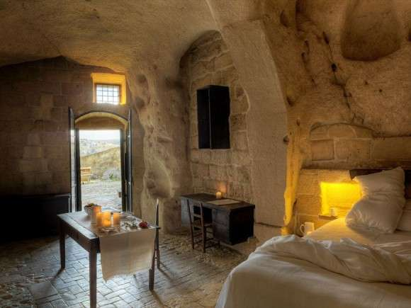 Rustic Cavemen Hotels