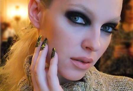 Gothic-Embroidered Manicures