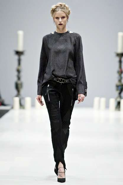 Chic Goth Runways  - Chloe Comme Parris Takes the Cake at Toronto Fashion Week
