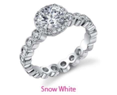 15 Extravagant Diamond Rings