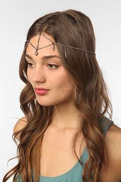 Heavenly Crown Accessories  - The Urban Outfitters Headdress is Chic and 60s-Inspired