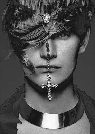 Rosary-Rocking Photoshoots