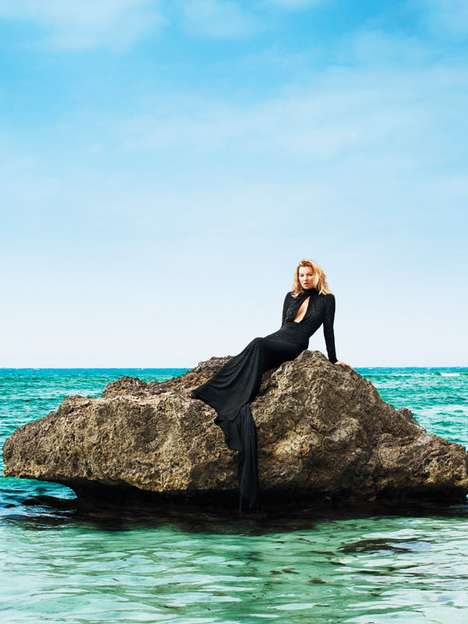 Modern Mermaid Shoots - The Harper's Bazaar Kate Moss Cover Feature is Spectacular