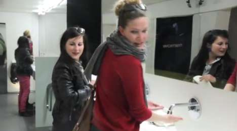 De Opvoedingslijn Advertises in Ladies' Room with Embarrassing Sounds
