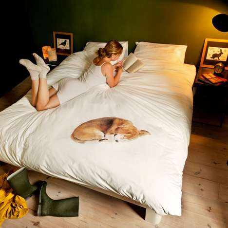 Dog-Doting Linens