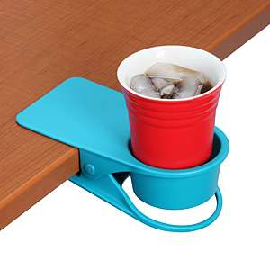 The Drinklip Portable Cupholder is Easy to Use