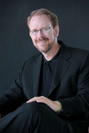 Solving the Unsolvable - Daniel Burrus's Solutions to Impossible Problems Keynote is About Approach