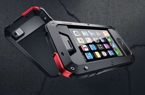 Durable iPhone Armour - The LUNATIK TAKTIK Case Shields Your Precious Device