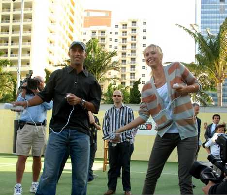Animated Tennis Pros - Roddick, Federer & Sharapova in Top Spin 3