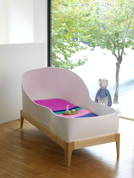 Space Craft-Inspired Cribs - The Ahye Childrens Bed Has a Super Sleek Design