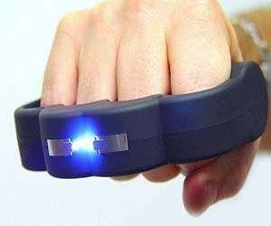 The Blast Knuckles Stun Gun Will Win Any Fight