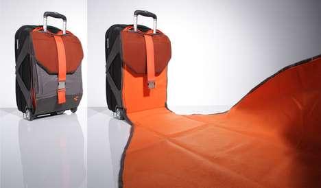 Blanket-Toting Travel Gear