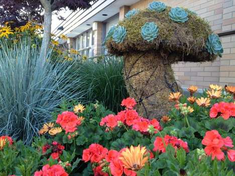 Chicken Wire Garden Art - Simple Repurposed Materials Used for Creative Expression