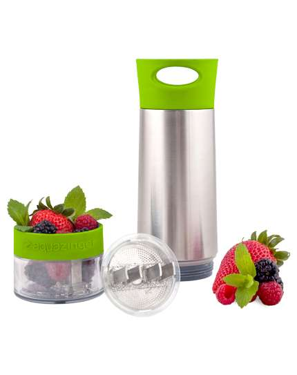 Fruit-Infusing Water Bottles - Aqua Zinger Adds Subtle Flavor to Your H20 Using Fresh Ingredients