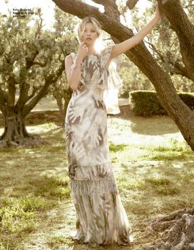 Sweet Garden-Ready Gowns - Kate Moss Stars in Soft & Pretty Editorial for Elle France
