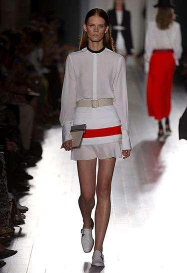 Tri-Toned Minimalist Springwear