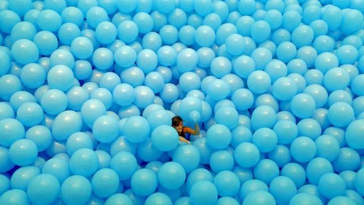 Massive Balloon-Filled Rooms