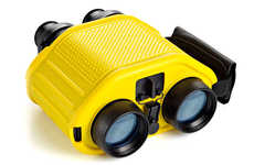 Motion-Correcting Binoculars - The STEDI-EYE Mariner Binoculars Compensate for Shaky Hands