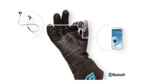 BEARTek Gloves Let You Command Mobile Devices Using Hand Gestures