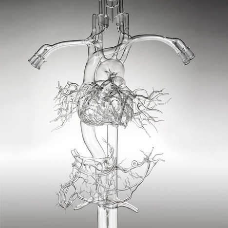 Gary Farlow Recreates the Body's Vasculature System from Glass