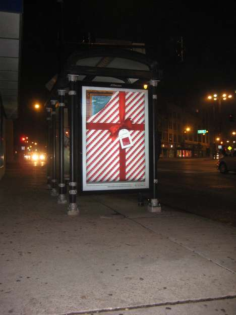 Unwrappable Art Ads - The Leo Burnett and Arc Worldwide Art Institute of Chicago is Interactive