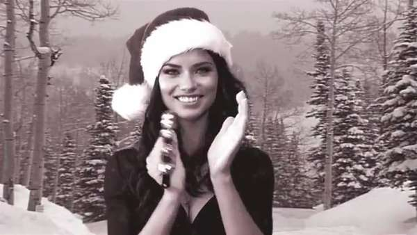 33 Caroling Christmas Song Videos