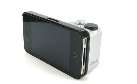Point-and-Shoot Smartphone Accessories - The Snapgrip for iPhones Allows for One-Handed Photographs