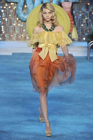 St. Tropez Chic - Christian Dior Resort 2009