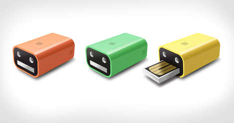 Dual-Purpose Thumbdrives - The Face Flash Drive and Flashlight Fulfills Two Functions in a Tiny Box