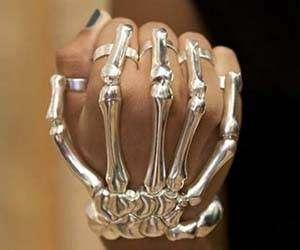 Finger-Fitted Skeletal Bracelets