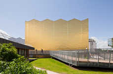 Golden Nugget Auditoriums - Theatre 95 is a Gilded Example of Juxtaposing Old and New Architecture