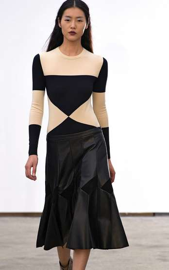 Subtle Geometric Fashions