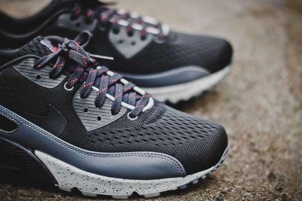 Urban China Inspired Sneakers : Nike Air Max 90 EM