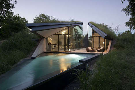 Modern Sunken Houses - The Edgeland Residence by Bercy Chen Studio is Traditional and Hi-Tech