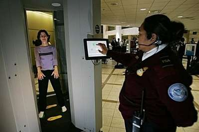 X-Ray Scanners That See Through Clothing (UPDATE) - 10 US Airports Shakin' You Down