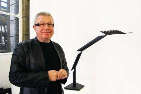 Daniel Libeskind's Articulated Lamp Can Form Numerous Shapes