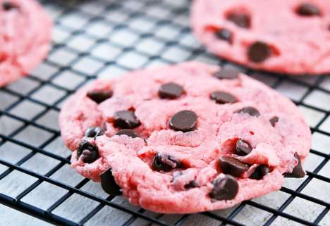 Strawberry Chocolate Chip Cookies - The Cake Mix Cookies From Sally's Baking Addiction are Ado
