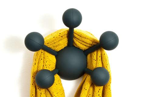 Mod Molecular Pegs