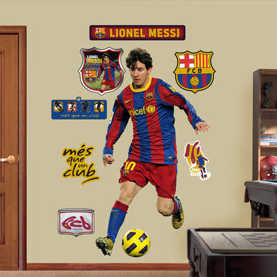 Life-Sized Soccer Player Posters - Posters of Soccer Stars Make You Feel Like They're in Your Home